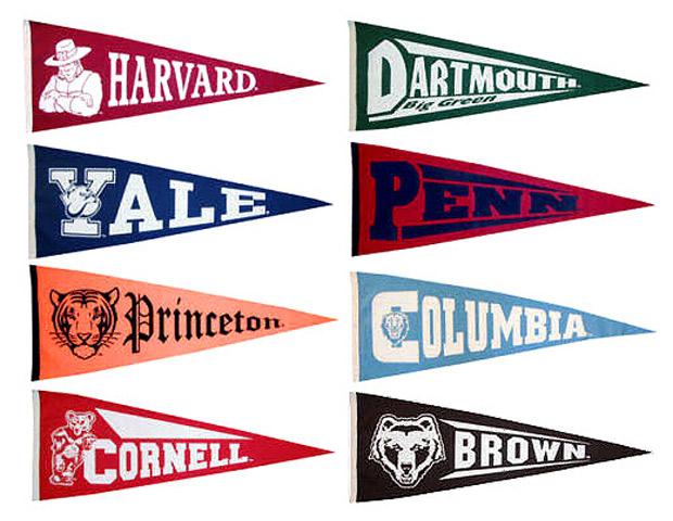 Les logos et la liste des universités qui appartiennent à la Ivy League