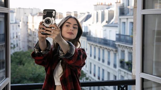 Emily in Paris, présente sur Instagram, EmilyinParis, Lily Colins