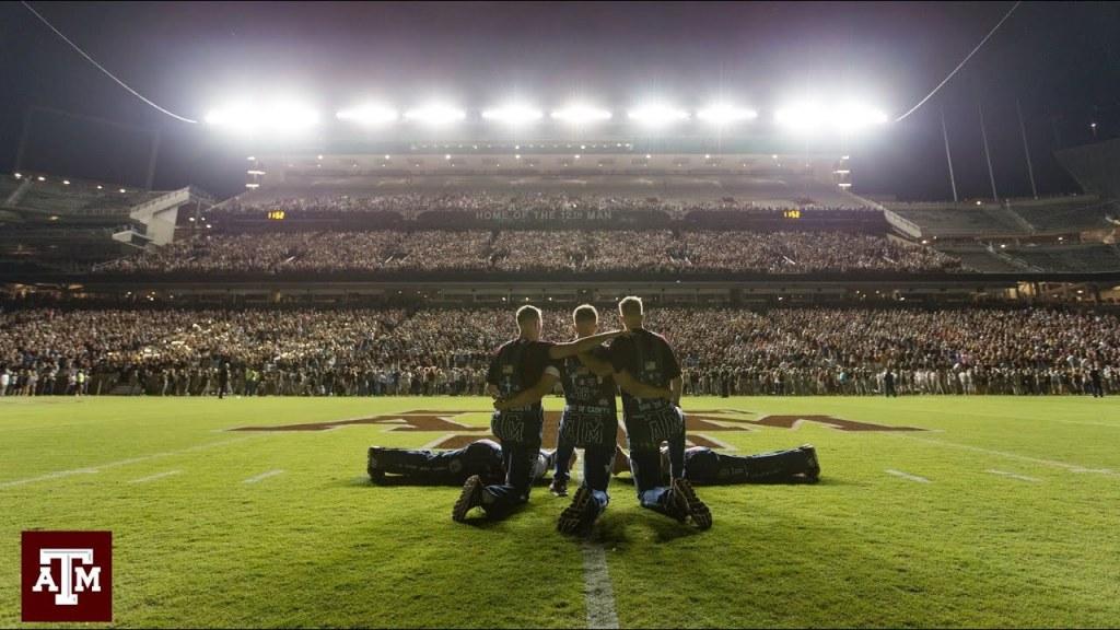 Midnight Yell à l'université du Texas